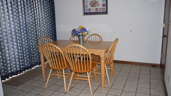 Pines 2 Dinette