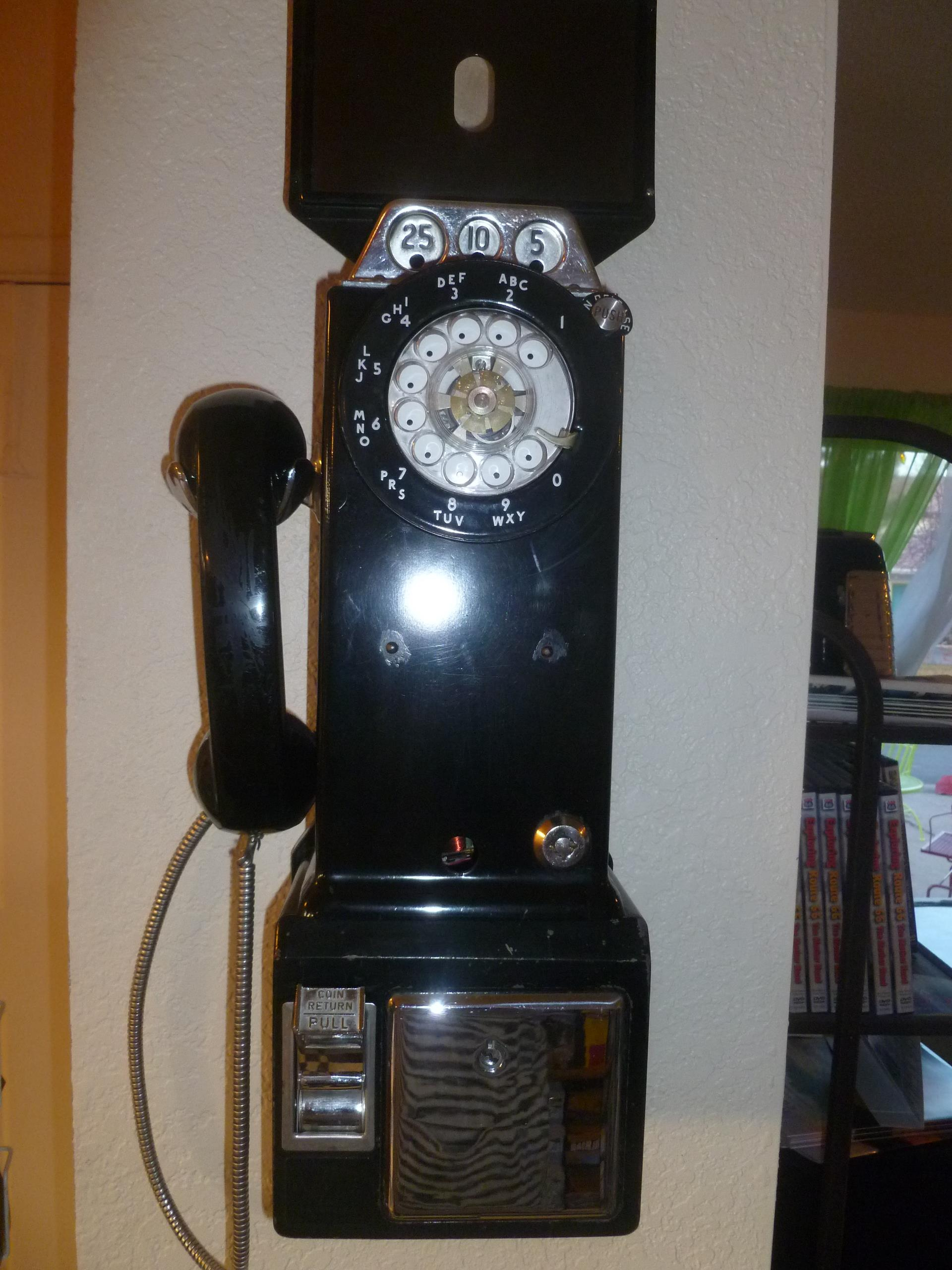 Retro Inn Dial Phone