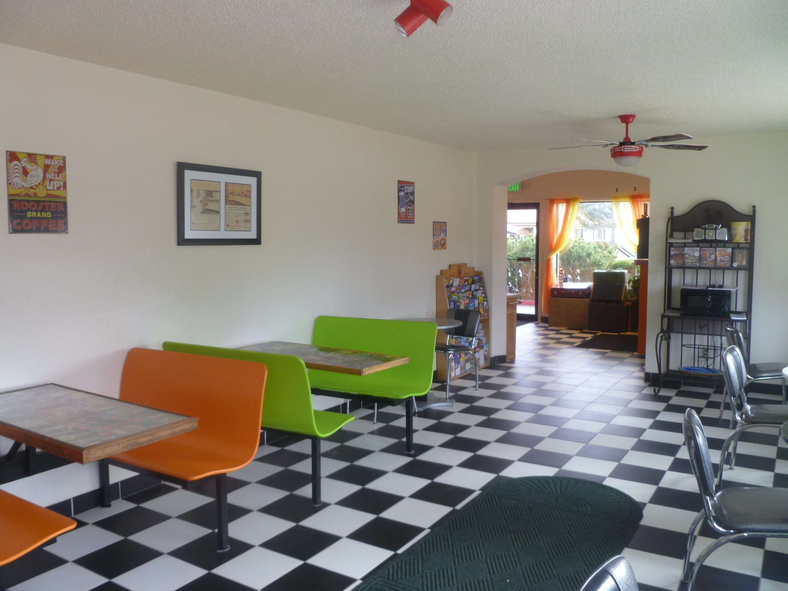 Retro Inn Breakfast Room