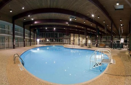 Holiday Inn Pool - Spearfish SD
