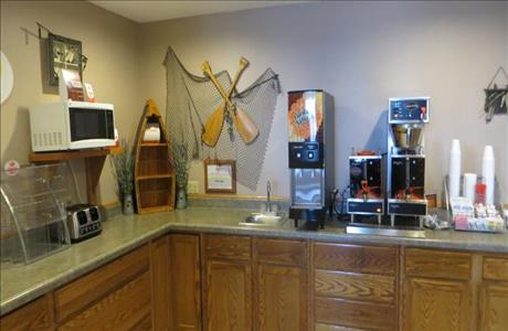 Super 8 Breakfast Area - Spearfish SD