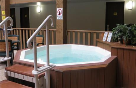 Super 8 Indoor Hot Tub - Spearfish SD