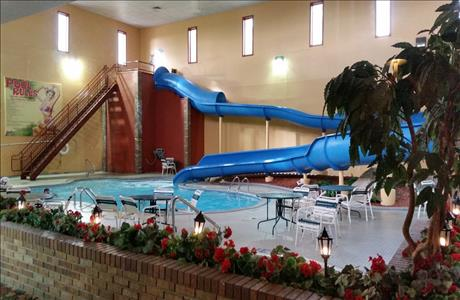 Grand Gateway Pool Area - Rapid City SD