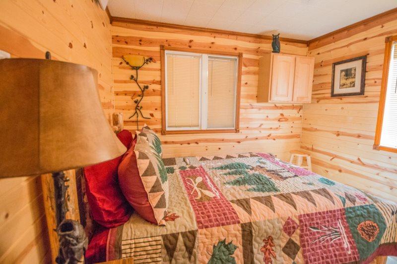 Lazy Pines Cabin Near Rapid City Sd